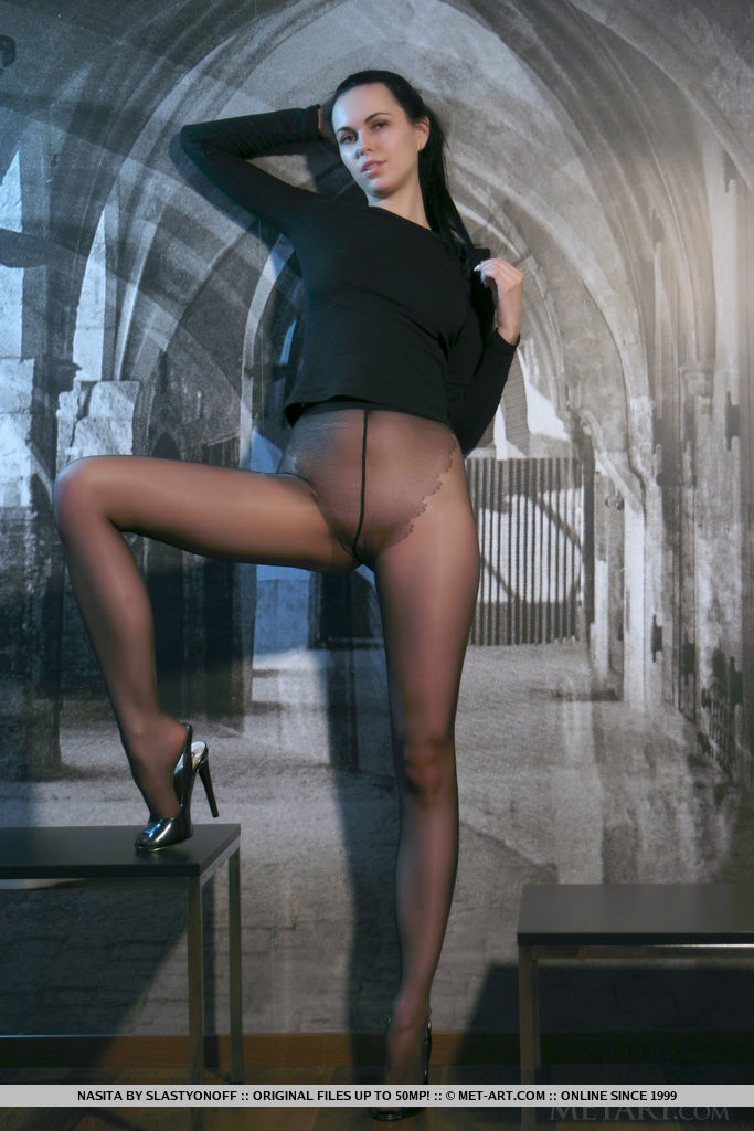 Naked pantyhose pictures